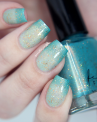 A Fortune tellers Charm swatched by @glitterfingersss