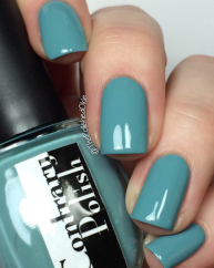 Shower swatched by @thepolishedoakie
